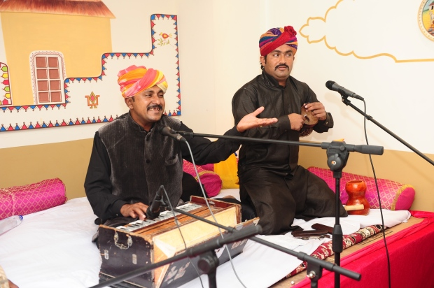 mangey khan (sitting on harmonium) and rais khan